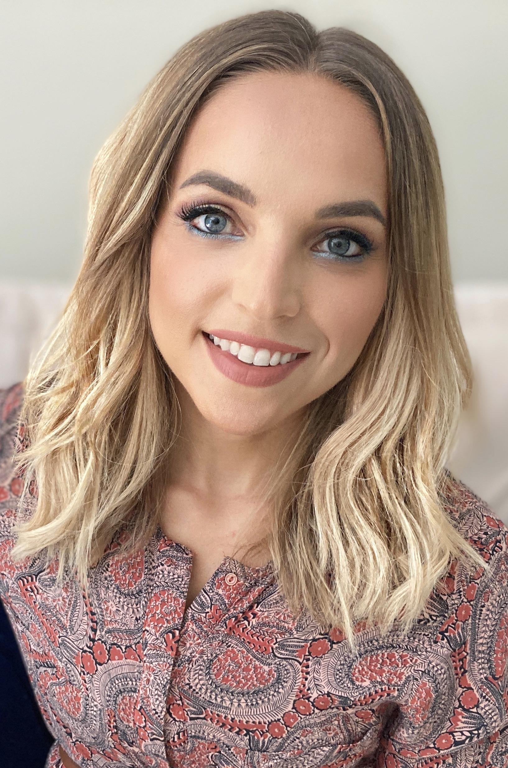 Sabrina Bio Hansen pic